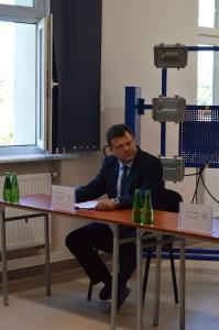 """Rozwój kadr dla sektora usług dla biznesu w Gorzowie Wielkopolskim"""" – projektowanie i prototypowanie samochodów solarnych i elektrycznych w AJP_3"""